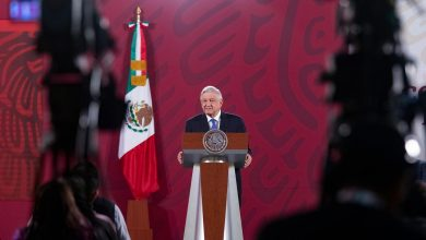Photo of AMLO reconoce el trabajo de la población y autoridades frente al Covid 19.