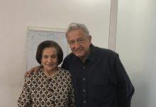 Photo of AMLO felicita a Ifigenia Martínez por Medalla Belisario Domínguez